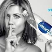 Дженнифер Анистон рекламирует воду Smart Water